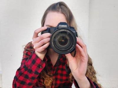 momentsbygina Profile Image